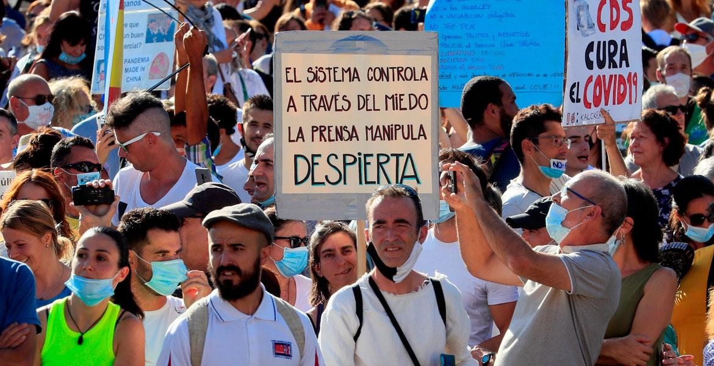 Negacionistas manifestación no a las mascarillas en Colón