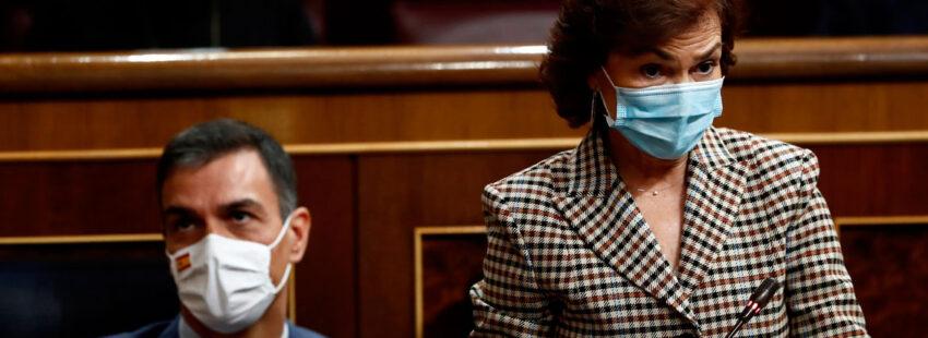 Carmen Calvo y Pedro Sánchez en el Congreso de los Diputados