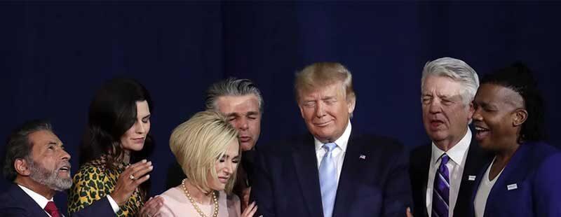 Trump con líderes evangélicos