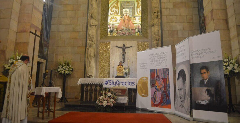 El santuario de la Virgen de Linarejos acogió la vigilia