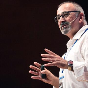 El virólogo Ignacio López-Goñi