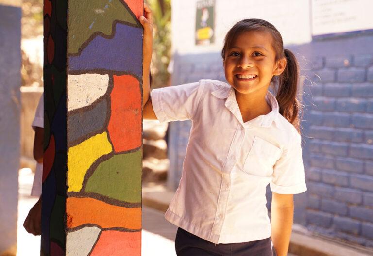 Entreculturas El Salvador niña