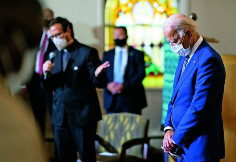 Biden en la iglesia