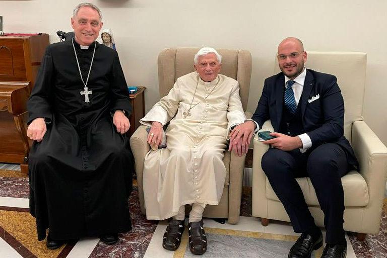 Benedicto XVI en su última audiencia privada
