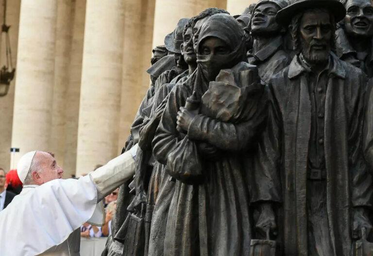 El Papa Francisco en el Monumento al Migrante