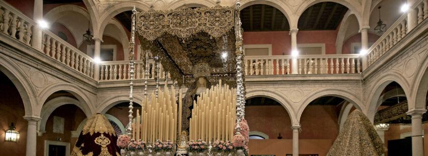 """'In nomine Dei', una exposición en Sevilla para """"llenar el vacío emocional"""" de la ausencia de las estaciones de penitencia"""