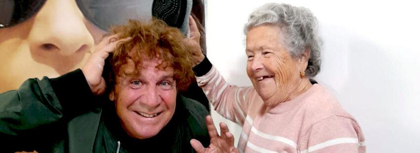 Fortu, vocalista de Obús, y su madre