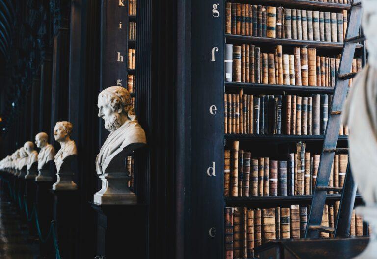 esculturas y libros