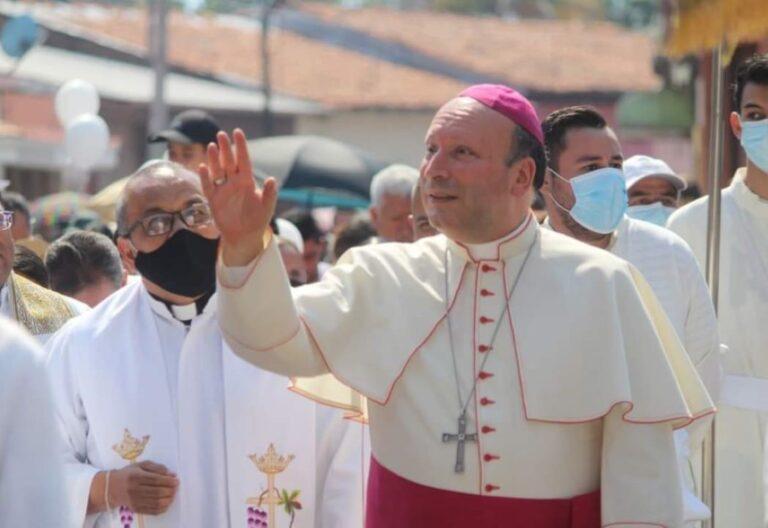 nuncio Coppola en Aguililla