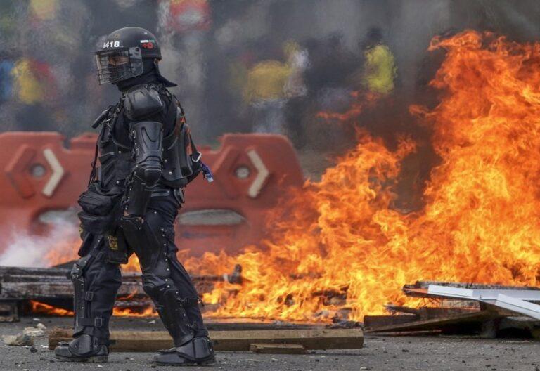 Disturbios tienen paralizada principales de Colombia