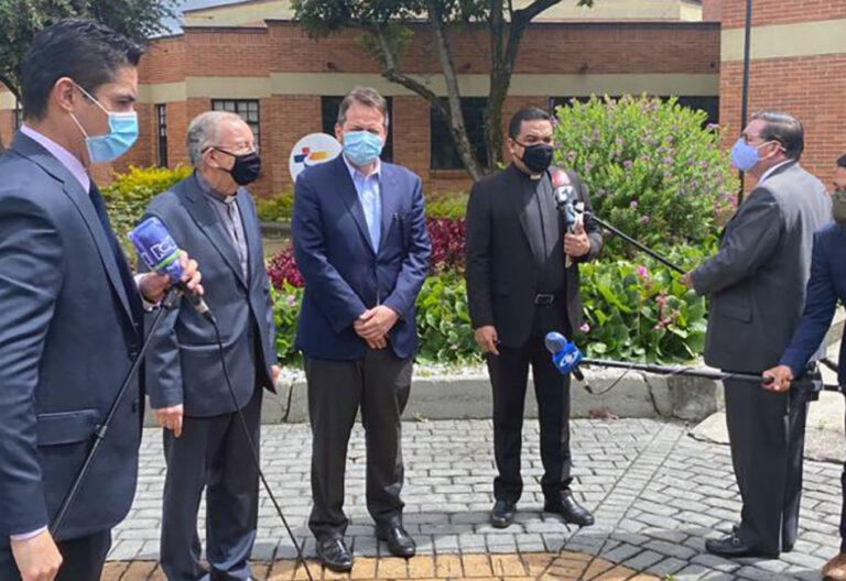 Héctor Fabio Henao recibe a representante de la ONU en Bogotá