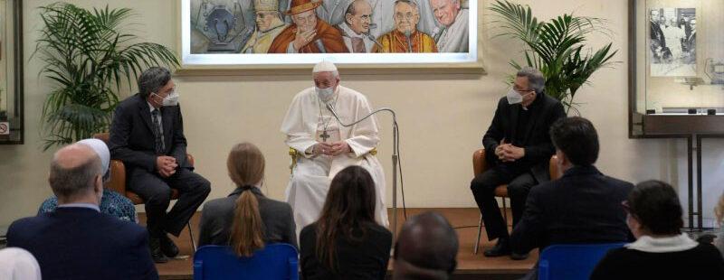 El papa Francisco visita L'Osservatore Romano