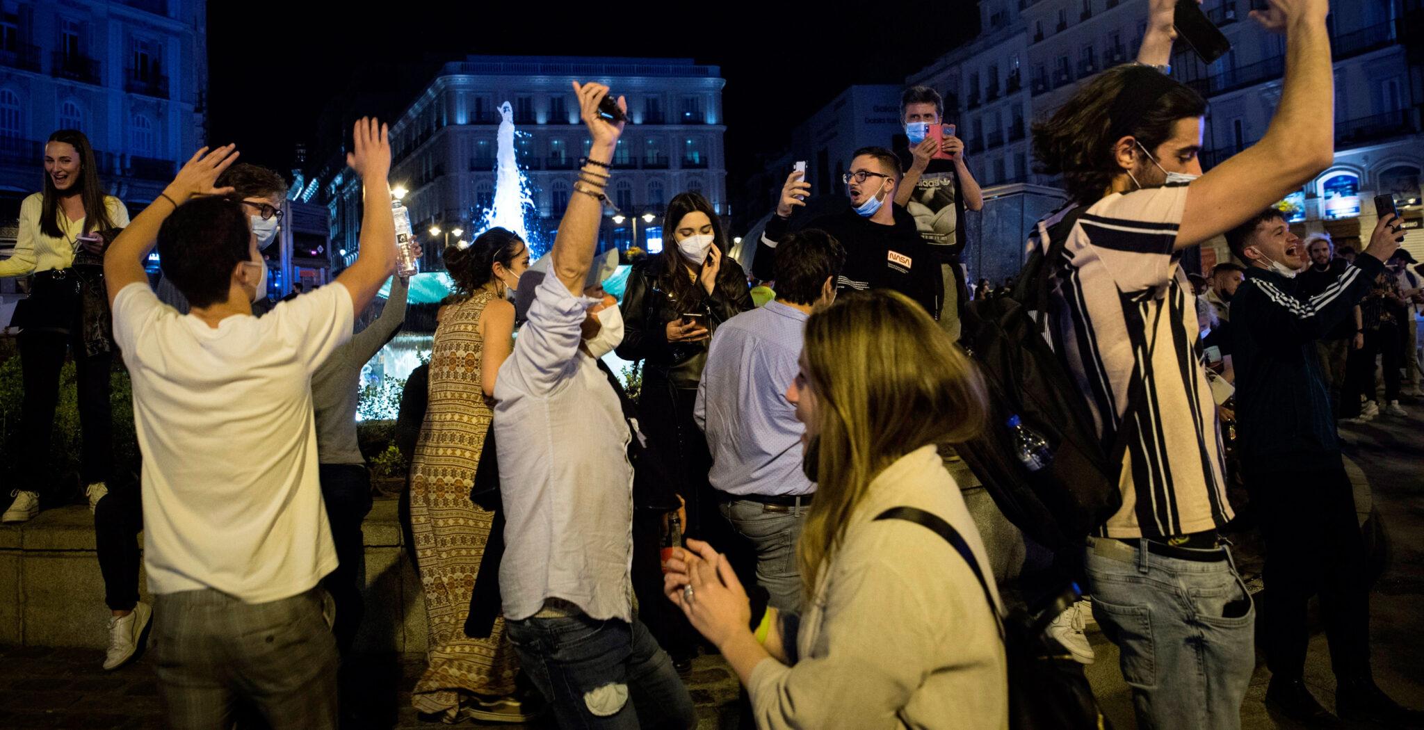 Puerta del Sol 9 de mayo fin estado de alarma