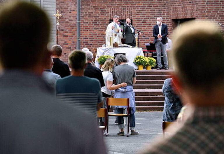 sacerdotes alemanes bendicen homosexuales