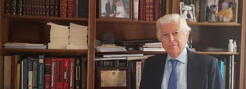El médico y novelista Antonio Bascones
