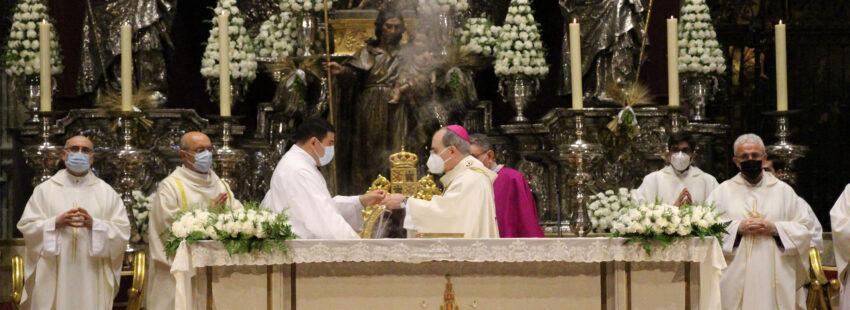 Juan José Asenjo, arzobispo emérito de Sevilla, en la misa del Corpus Christi