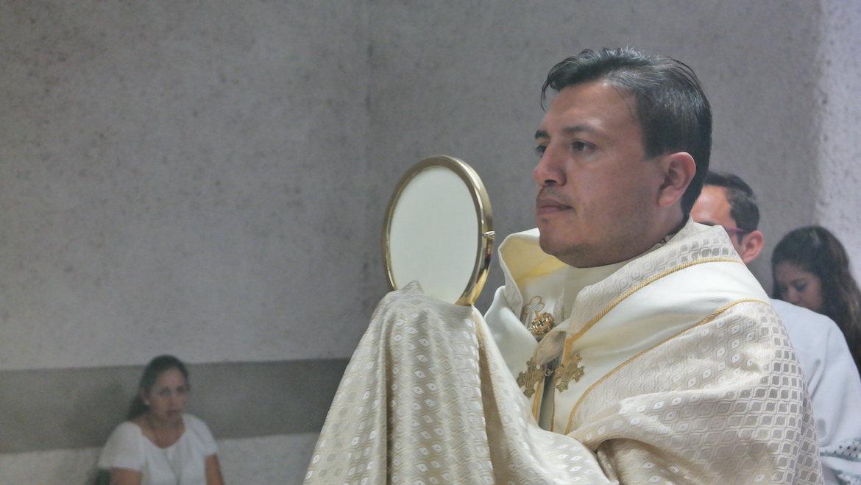 sacerdote Querétaro