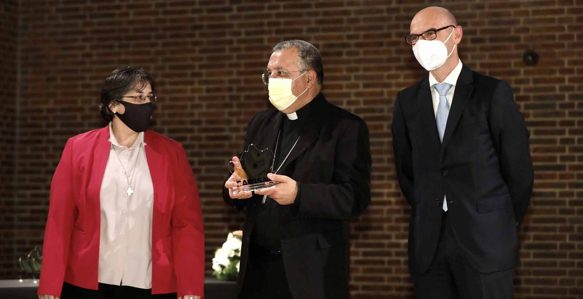 Ginés García Beltrán junto a Jesús Avezuela y SIlvia Rozas