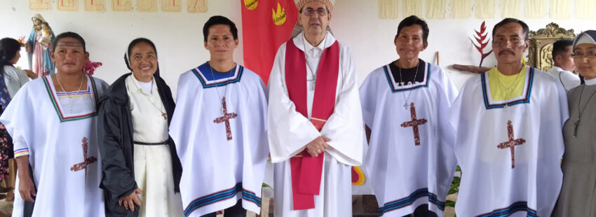 Rafael Cob, obispo de Puyo, confiere ministerios a indígenas