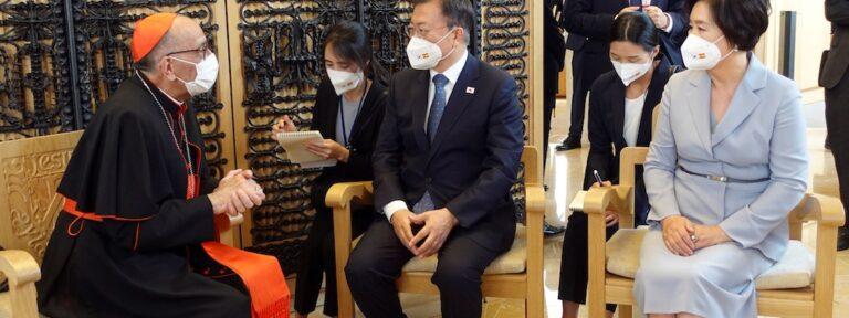 Presidente de Corea visita la Sagrada Familia acompaÒado del cardenal Omella