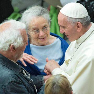 Papa y ancianos