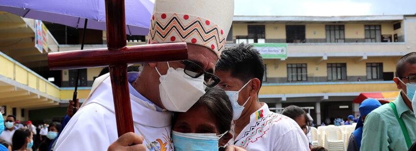 Miguel Cadenas se posesiona como obispo de Iquitos