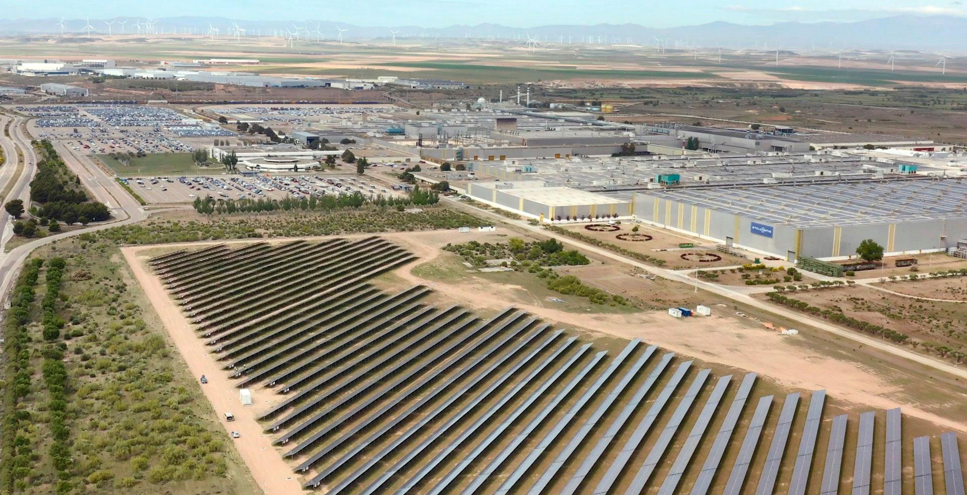 Economía. Industria, planta fotovoltaica