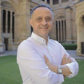 dominico Director de la Escuela de Teología en Internet
