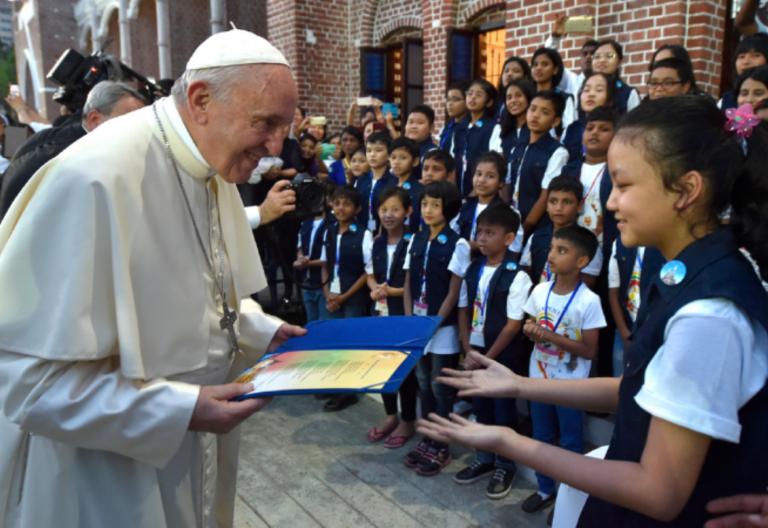 Papa Francisco-Pacto Educativo