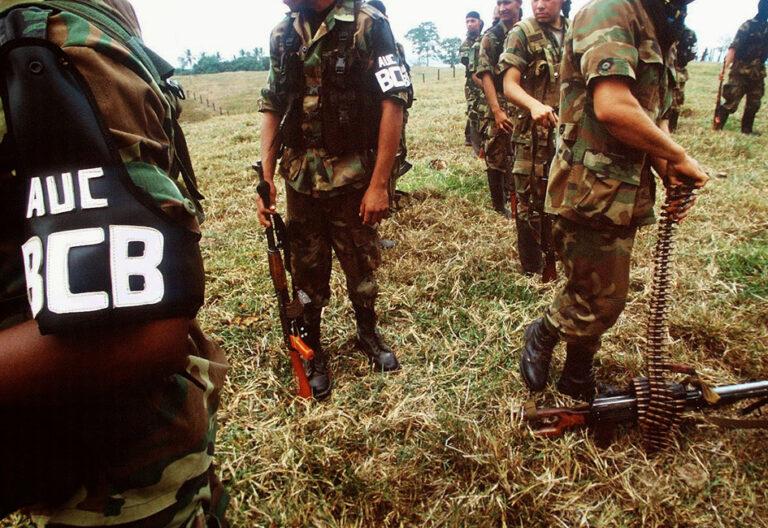 Guerrilleros, paramilitares y narcos luchan por el control territorial