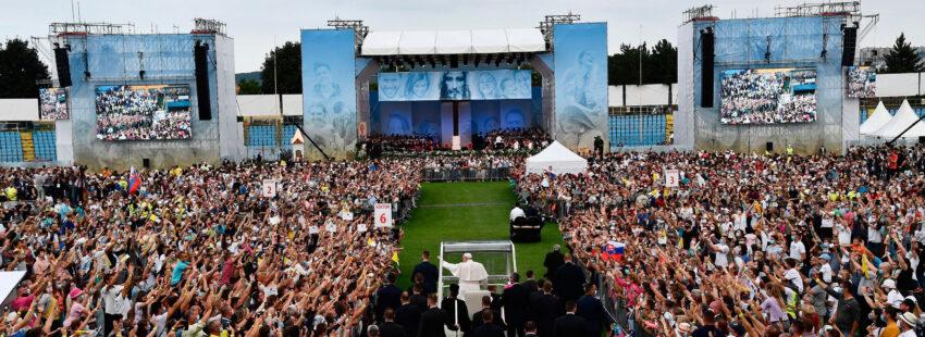 El papa Francisco en Kosice, Eslovaquia, con los jóvenes
