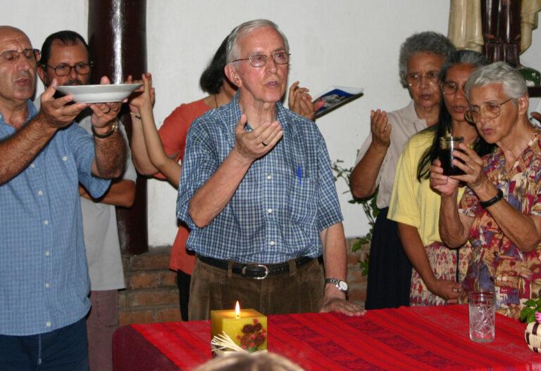 El obispo Pedro Casaldàliga durante una celebración
