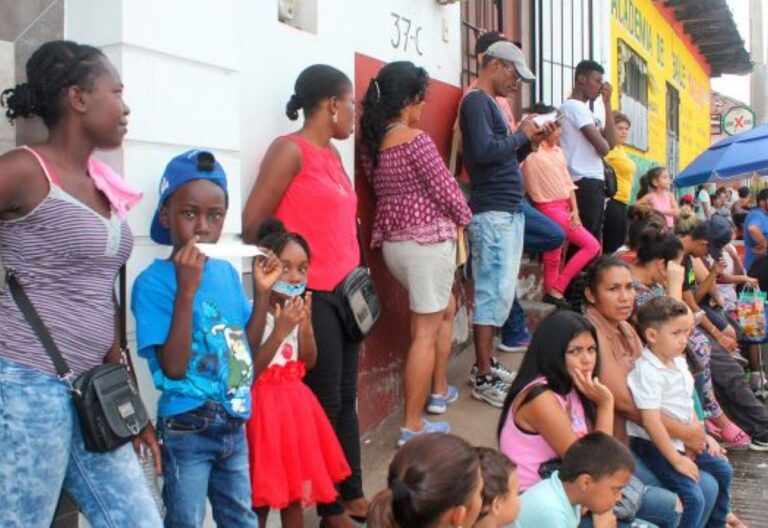 migrantes en espera de asilo México